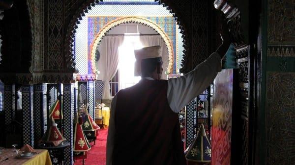 Restaurant tangérois vide pendant Ramadan