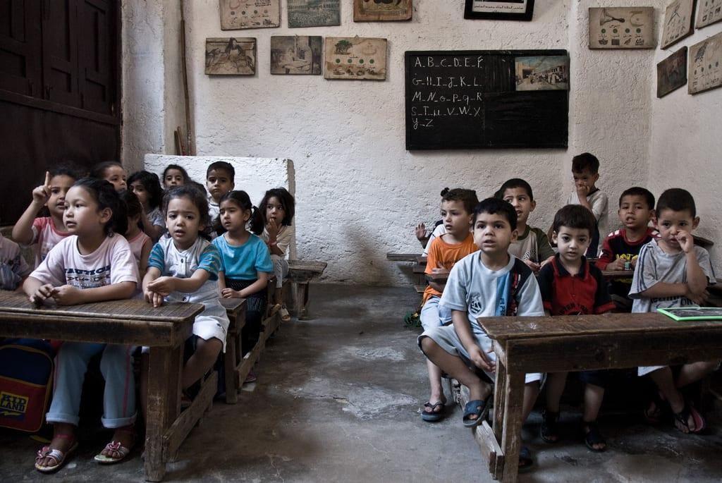 Enfant dans une classe du primaire