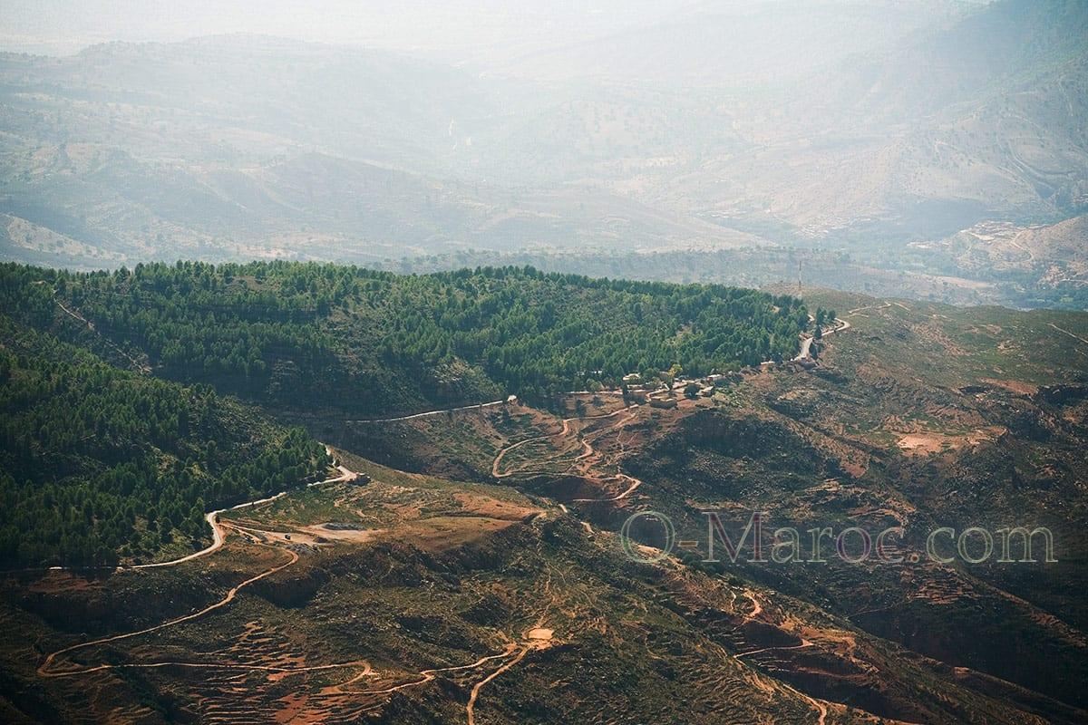 Vue sur la descente vers la plaine du Sous, du haut du Tizi ' Test