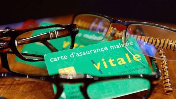 Carte vitale, lunettes