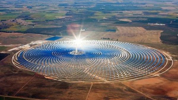 Photo aérienne des installations solaires
