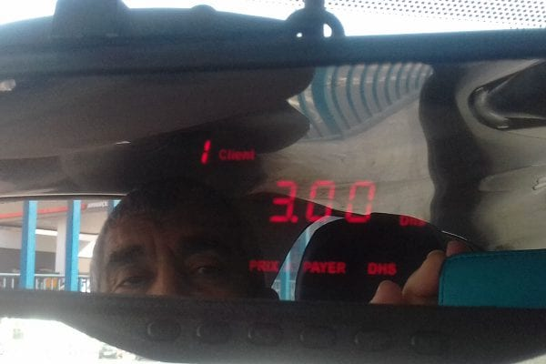 Photo d'un compteur de taxi à Casablanca