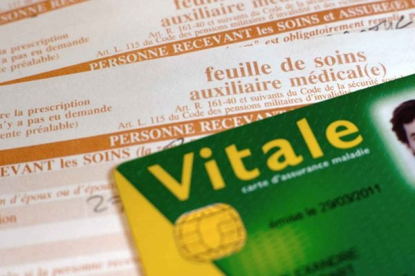 Carte Vitale et feuille de soins