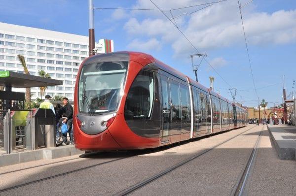 Rame du tramway de Casablanca à quai